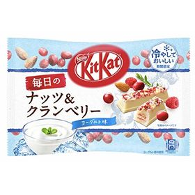 Nestle Kitkat Minis Nuts & Cranberry Cold & Delicious White Chocolate Approx 12 Minis Packet 102g