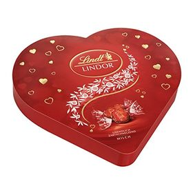 Lindt Lindor Milk Chocolate Truffle Heart Box, 325g