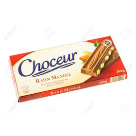Choceur Rahm Mandel - Smooth Creamy Chocolate with Whole Almonds, 200gm
