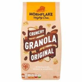 Mornflake Mighty Oats Crunchy Granola Original with Raisins, Honey & Almonds, 500g
